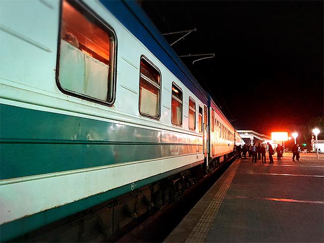 ウズベキスタン寝台列車